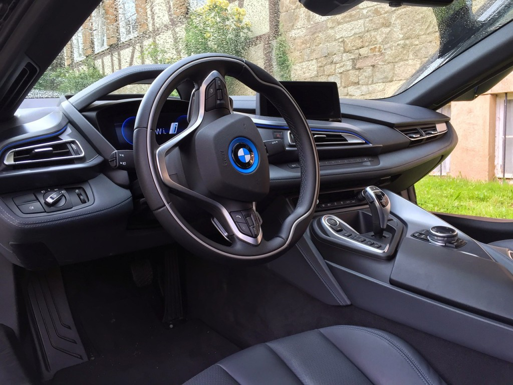 carbon-fiber-usage-in-automotive-industry-car